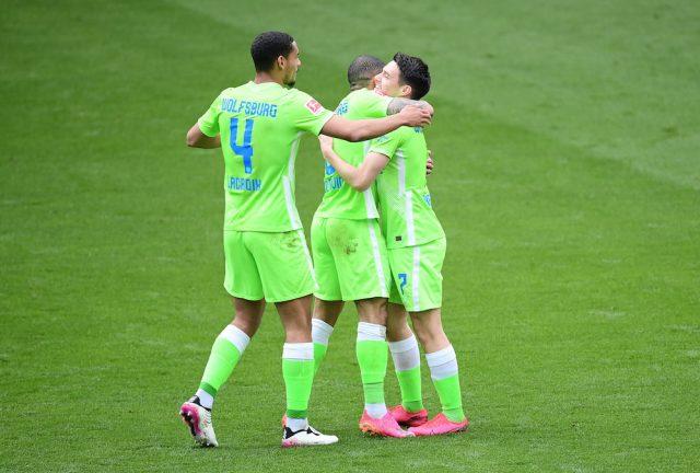 Chelsea siktar in sig på mittback i sommar