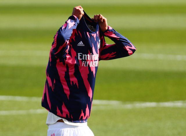 Manchester United fortsätter förhandla om Raphael Varane